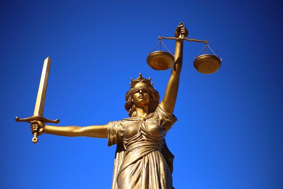 """Ποιους """"εξυπηρετεί"""" το δημοσίευμα της Εφημερίδας των Συντακτών για τη δίκη του Χρήστου Παππού;"""