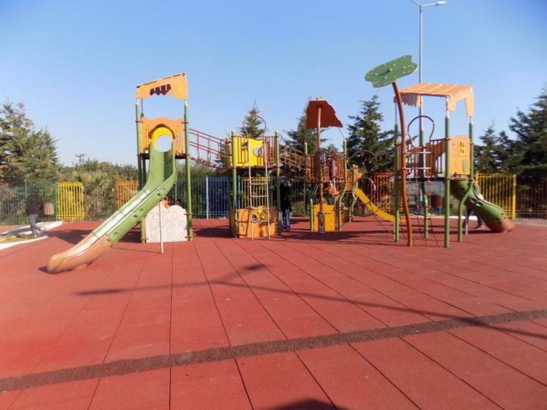 Η καλύτερη στάση αναψυχής για γονείς και παιδιά, η παιδική χαρά στο Πάρκο Πόλης!