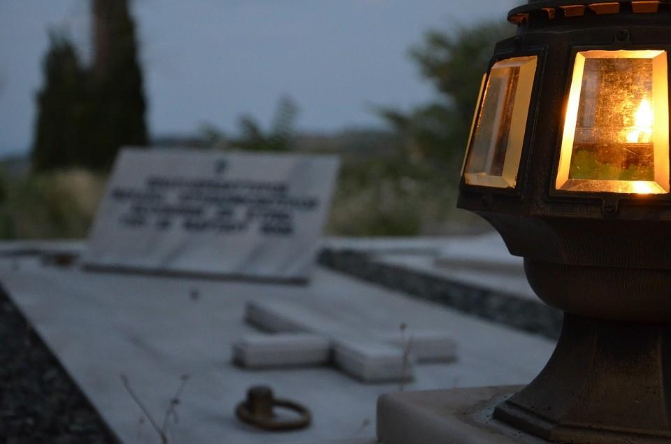 Ο Δήμος Φυλής θα ανάψει τα καντήλια στα μνήματα των Δημοτικών Κοιμητηρίων, τη Μ. Παρασκευή
