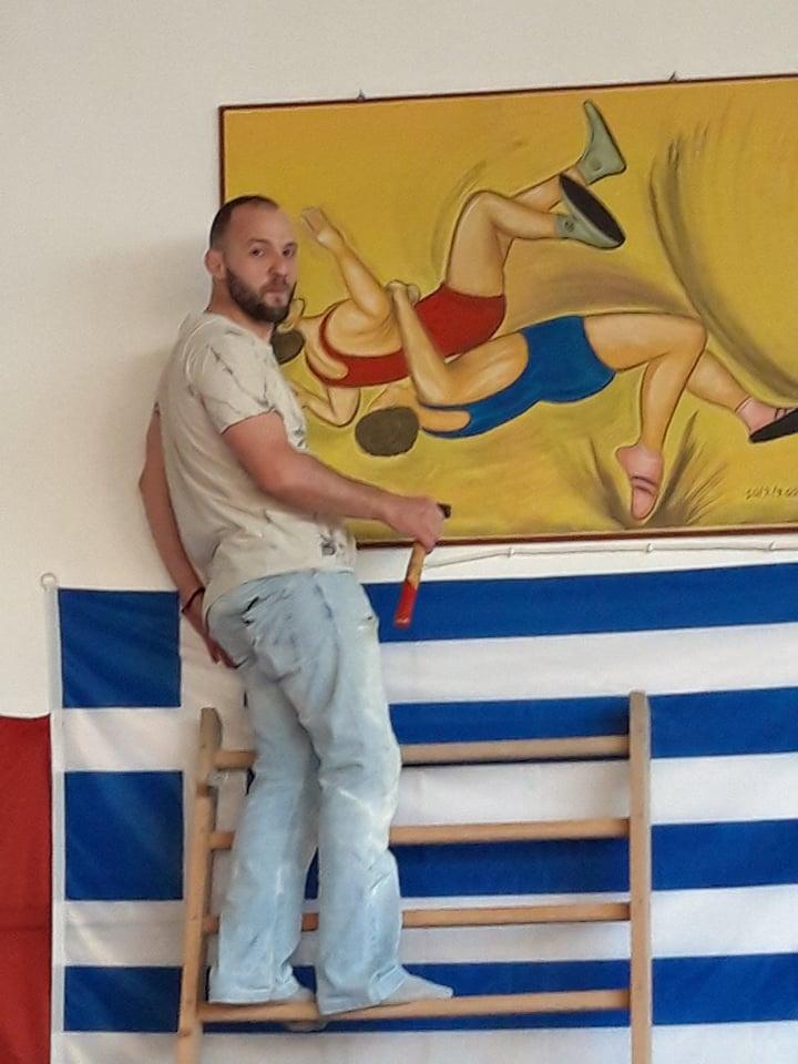 """Ο… """"καλλιτέχνης της Πάλης"""" Βαγγέλης Καλύβας, ζωγραφίζει για την ομάδα του!"""