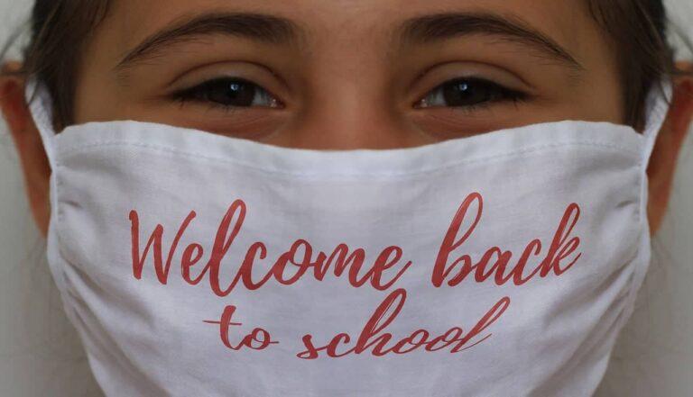 Δωρεάν οι μάσκες στους μαθητές μέσω των ΟΤΑ και 9.500 προσλήψεις για την καθαριότητα στα σχολεία