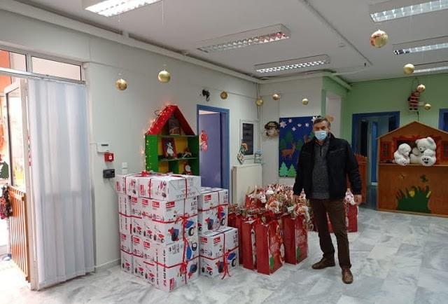 Χριστουγεννιάτικα δώρα και άφθονη χαρά για τους μαθητές των Παιδικών Σταθμών Ζεφυρίου!