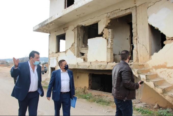 Επίσκεψη του Γενικού Γραμματέα του Υπουργείου Περιβάλλοντος στο Δήμο Φυλής για τα επικίνδυνα κτίρια