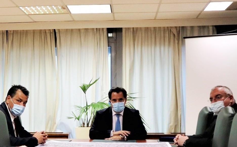 """Συνάντηση Υπουργού Ανάπτυξης με Δήμαρχο Φυλής για έργα στο Πάρκο Πόλης – Στο """"τραπέζι"""" πρόταση για φοιτητικές εστίες"""