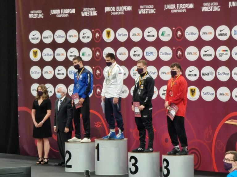 Ασημένιος ο Γιώργος Κουγιουμτσίδης στο Ευρωπαϊκό πρωτάθλημα Πάλης Εφήβων